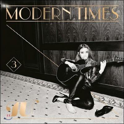 아이유 (IU) / 3집 Modern Times (CD+DVD+각 64P북클릿+고화질 인화 사진 총 3세트 중 1세트 랜덤 삽입/미개봉)