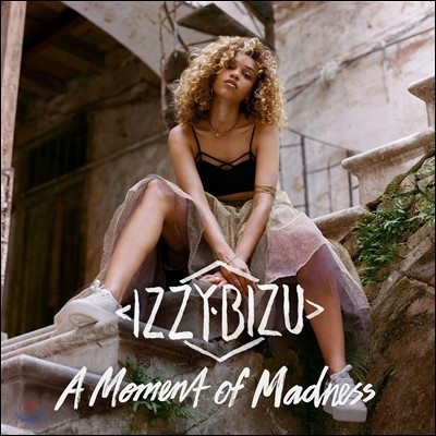 Izzy Bizu (이지 비주) - A Moment Of Madness [Deluxe Edition]