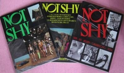 있지 - Not Shy [버전 3종 중 랜덤발송] - 포토북+가사집+CD 1 **