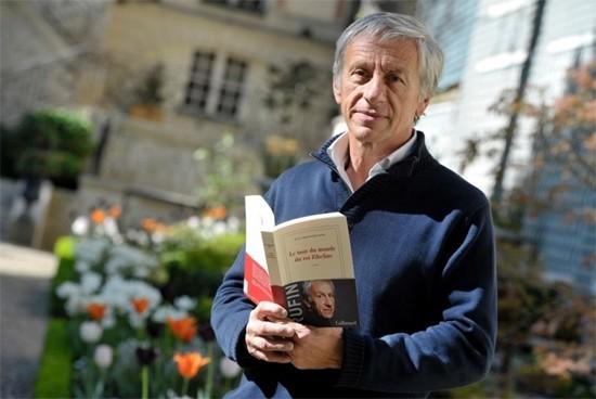 프랑스 출신의 장 크리스토프 뤼팽(Jean-Christophe Rufin)은 의사요 작가이자, 공직자와 사회운동가였다