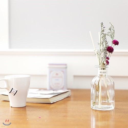 책상위 꽃 한다발(선물포장)