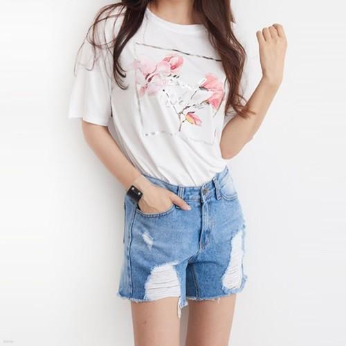[드레스날다] 뷰티 플라워 메탈 레터링 티셔츠(tee532)