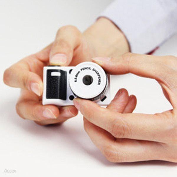 MAGNET 카메라 연필깎이