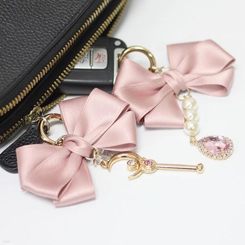 삼색리본폼폼이 키링 태슬 가방 에어팟 스마트키 열쇠고리 핸드폰 휴대폰 스마트폰