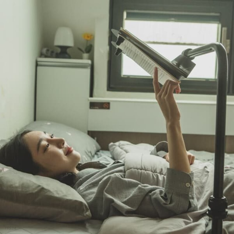 누워서 보는 독서대 / 스마트폰 거치대로도 활용만점!