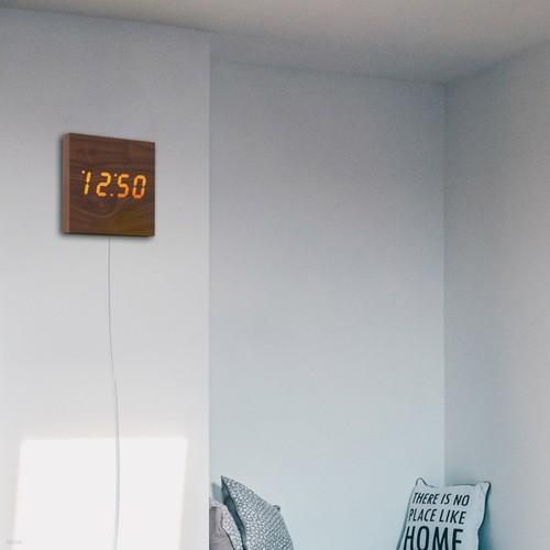 LED 나무 벽 인테리어 벽걸이 디지털 시계 무소음 우드 충전기 증정