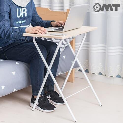 OMT 무조립 일체형 접이식 원목 사이드 테이블 거실 소파 침대 책상 2color