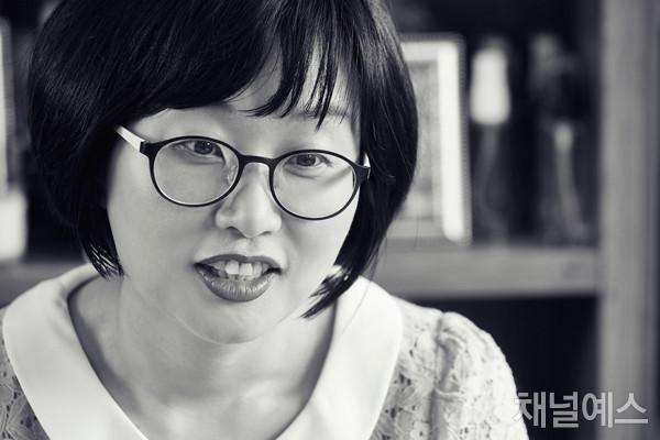 김나나-셀렉-4컷-(2).jpg