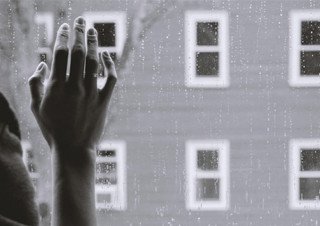 [윤덕원 칼럼] 잘못하지도 않은 일들에 가슴 아파하는 이유 (Feat. 브로콜리너마저 ? 울지마) | YES24 채널예스