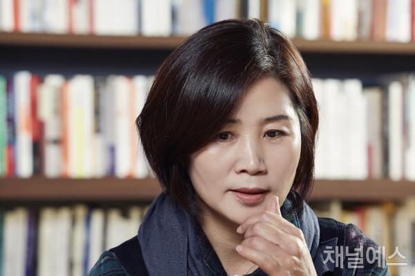 김선영-셀렉-3컷-(2).jpg