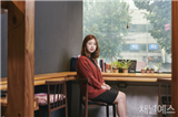 http://image.yes24.com/images/chyes24/김/초/엽/-/김초엽-(2).jpg