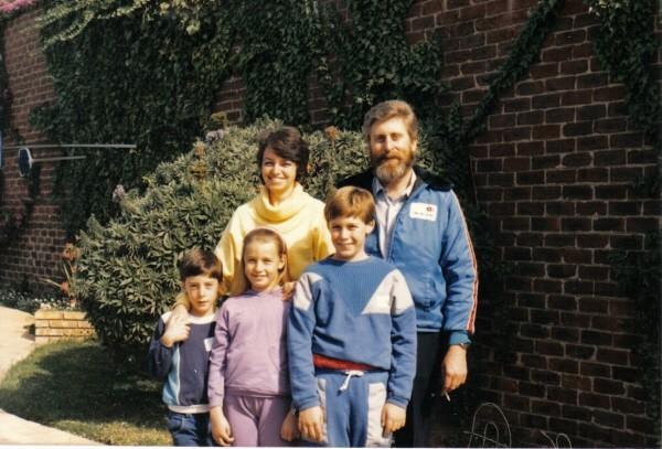 1987년, 투병 전 마지막 가족 사진.jpg