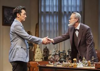 루이스가 받은 프로이트의 초대 - 연극 <라스트 세션> | YES24 채널예스