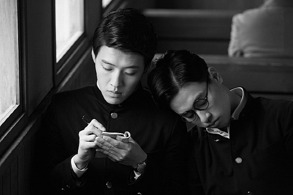 102P 영화 동주.jpg