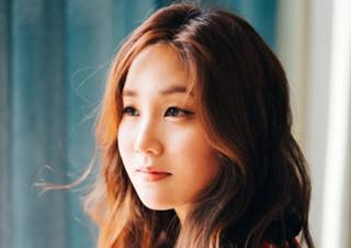 """프랜시스 차 """"한국의 룸살롱 문화, 성형수술에 대한 관심에서 시작한 소설""""   YES24 채널예스"""