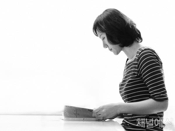 김려령-셀렉-3컷-(1).jpg