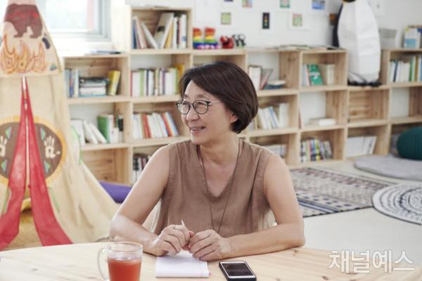 조한혜정-셀렉-3컷-(1).jpg