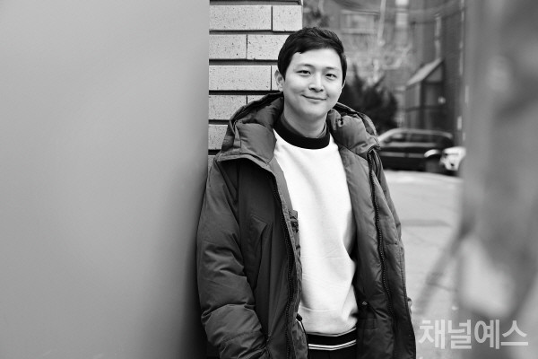 박성호-셀렉-3컷-(2).jpg
