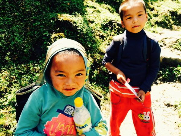 네팔에서 만난 아이들.JPG