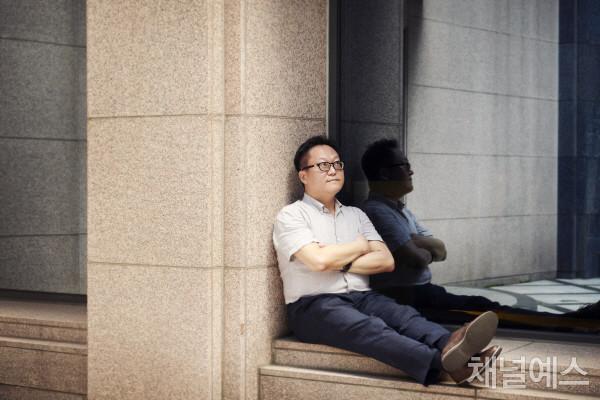 조흥식-셀렉-3컷-(2).jpg