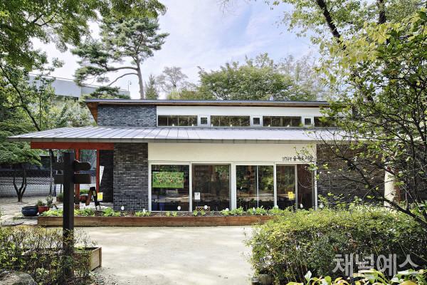 삼청공원-숲속도서관-(2).jpg
