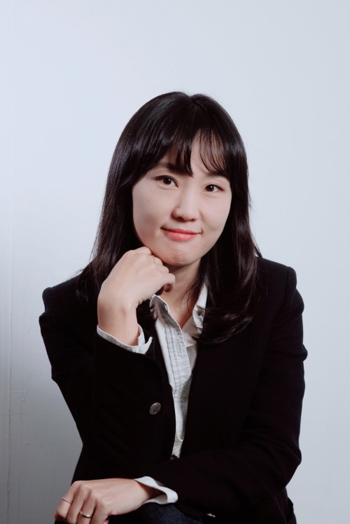 홍난지_프로필.jpg