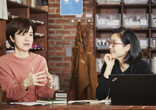 [엄윤미의 작업실 인터뷰] 어린이라는 세계를 보호하고 소개하는 김소영 작가  | YES24 채널예스