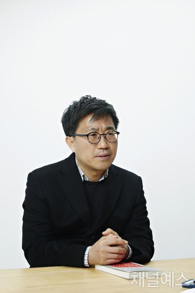 김솔-셀렉-3컷-(3).jpg