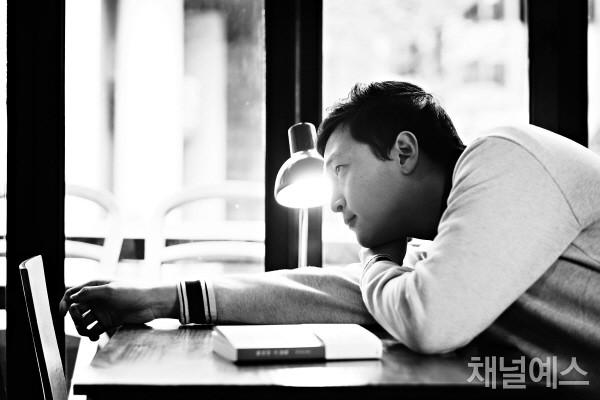 박성호-셀렉-3컷-(1).jpg