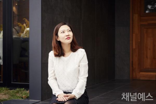 박지현-셀렉-3컷-(3).jpg