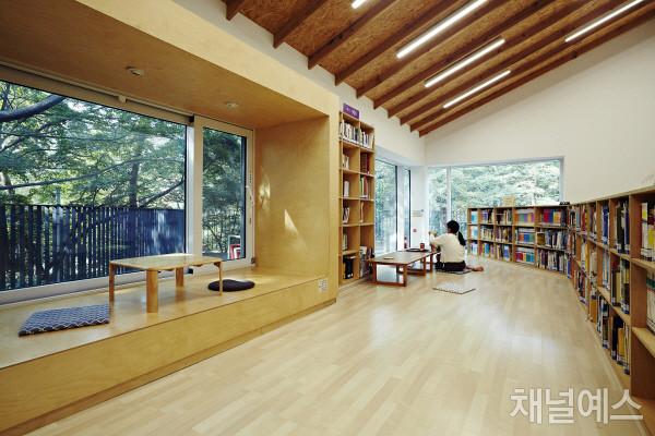 삼청공원-숲속도서관-(1).jpg