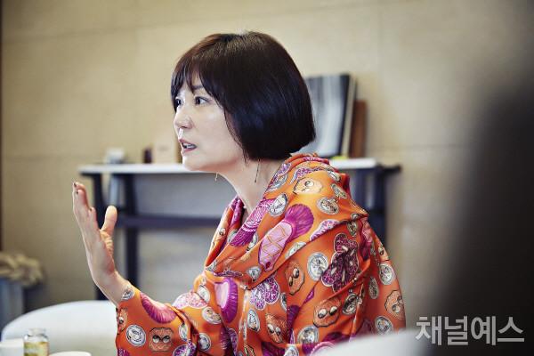 김미경-셀렉-3컷-(1).jpg
