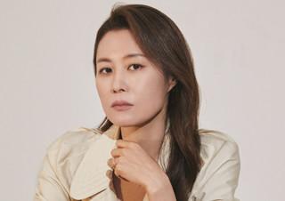 """[커버 스토리] 배우 문소리 """"나를 아는 사람이 된다는 것""""   YES24 채널예스"""