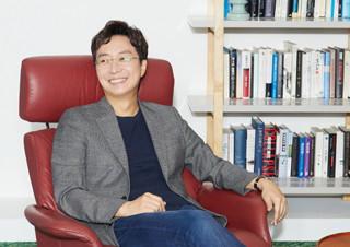 [커버 스토리] 우리들 속으로 훅 들어온, 건축가 유현준  | YES24 채널예스