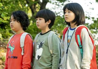 <아이들은 즐겁다> 진통도 놀이가 되는 아이들의 세상 | YES24 채널예스