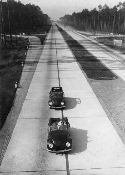 그림8-1943년의 독일 아우토반.jpg