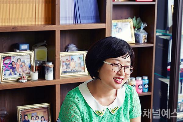김나나-셀렉-4컷-(4).jpg