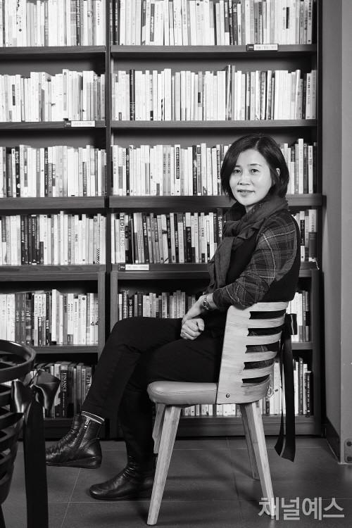김선영-셀렉-3컷-(3).jpg