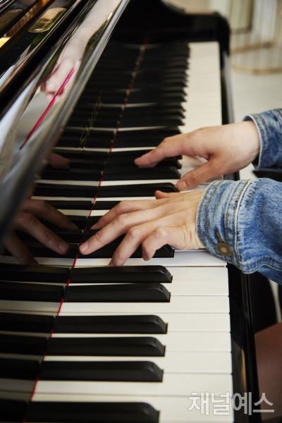 위드피아노-(2).jpg
