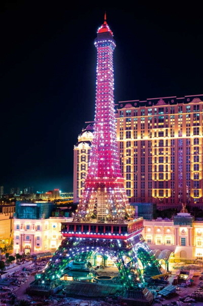 The-Parisian-Macao's-Eiffel-Tower-Illumination-Event_3-5.jpg