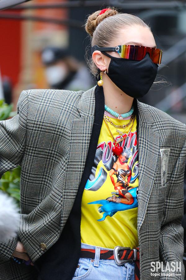 [스타 패션] 지지 하디드, 출산 후 복고풍 힙합 패션 '트랜디해'
