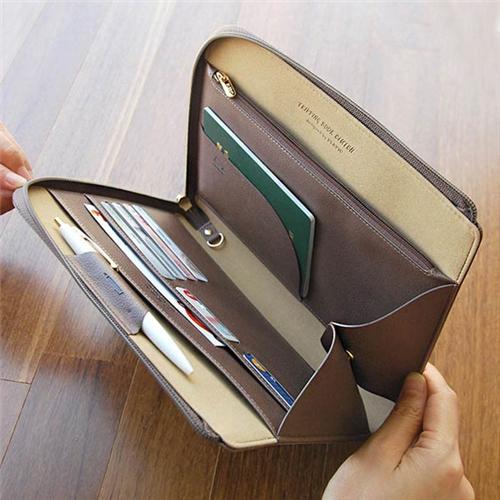 [스크래치할인 50%] Tripping Book Clutch (ash brown)