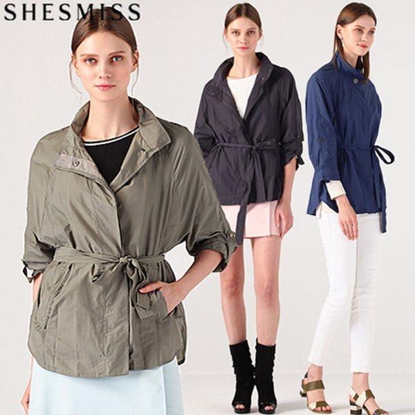 [쉬즈미스(SHESMISS)] 툭걸치고 가볍게 입는 하이넥 벨티드 트렌치 자켓