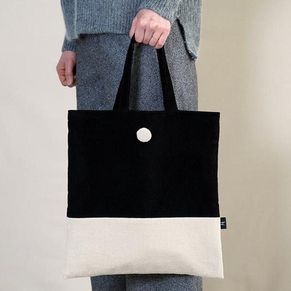 데메테르앤드 [corduroy bag] black