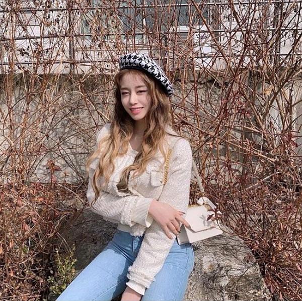 지연, 화사한 봄 사복패션 공개, '화이트데이 여친룩으로 딱!'